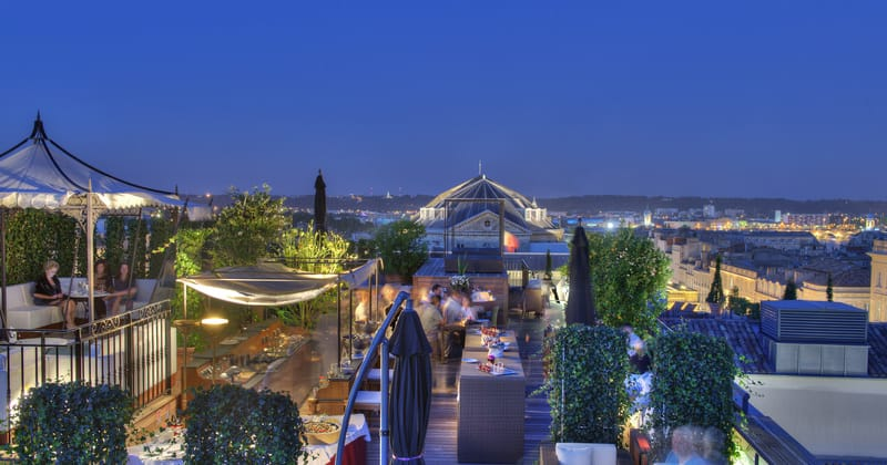 InterContinental Bordeaux Le Grand Hotel Rooftop Bar The Night Beach©Alain Caboche