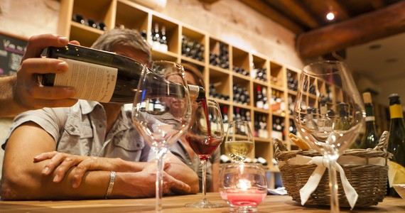 Rhone wine tours - credits Bar A Vin