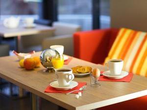 Hotel de France Breakfast