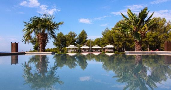 Provence wine tours - Castellet Exterieur & Piscines (7)