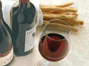 Wine and Truffle tour Piedmont red wine- Credits Turismo Torino