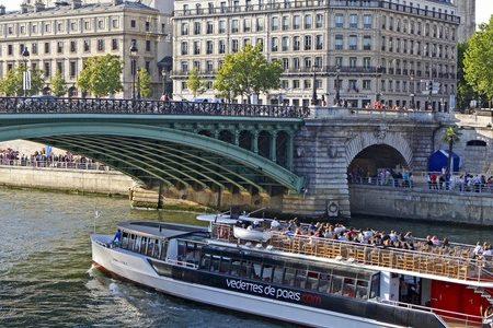 Paris wine tour credits CDR Paris Ile de France