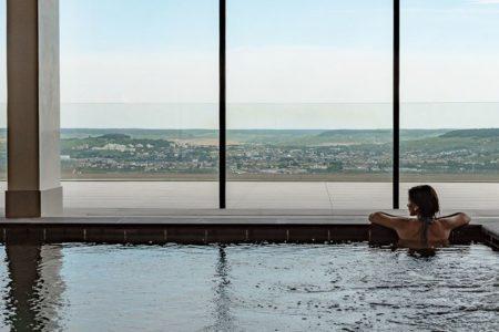 Royal Champagne Hotel & Spa website - Pool
