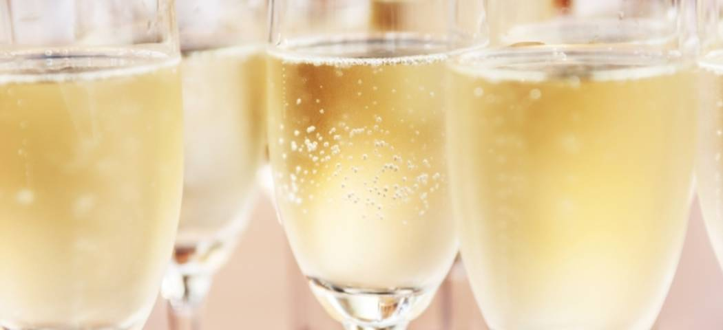 Champagne tasting weekend - credits shutterstock