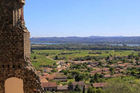 Chateaneuf-du-Pape-tour- Credits A Hocquel and VPA